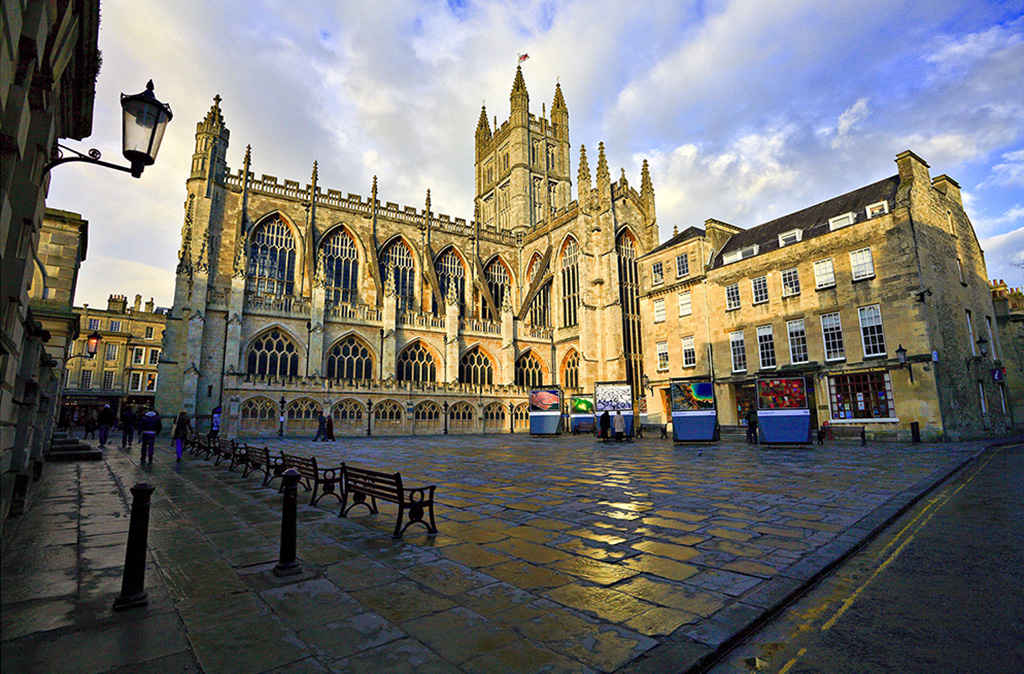 Interior Bath Images bath abbey uk tourism accommodation restaurants whats on baths splendid dating from 1499 marks the very centre of town is a city but this not classed as cathedral