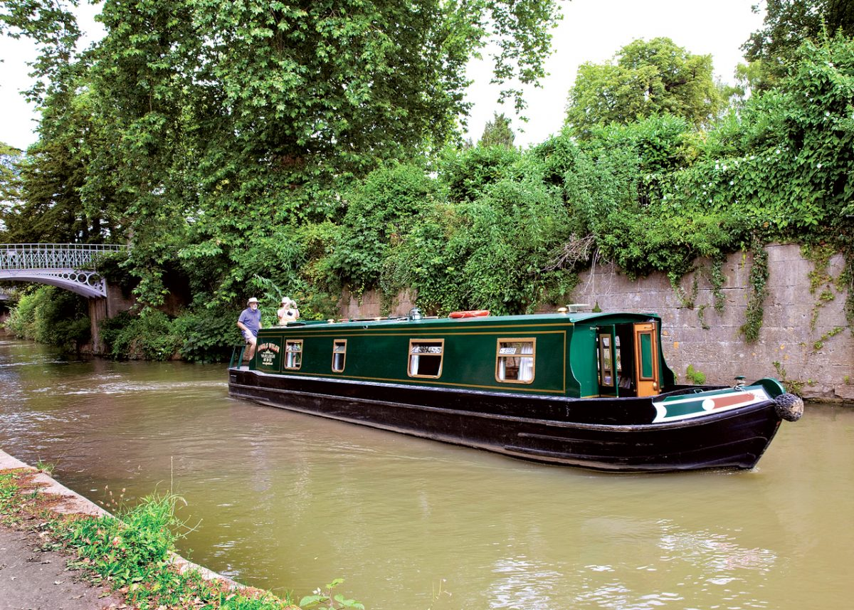 Boating on the Kennet & Avon Canal - Bath UK Tourism ...