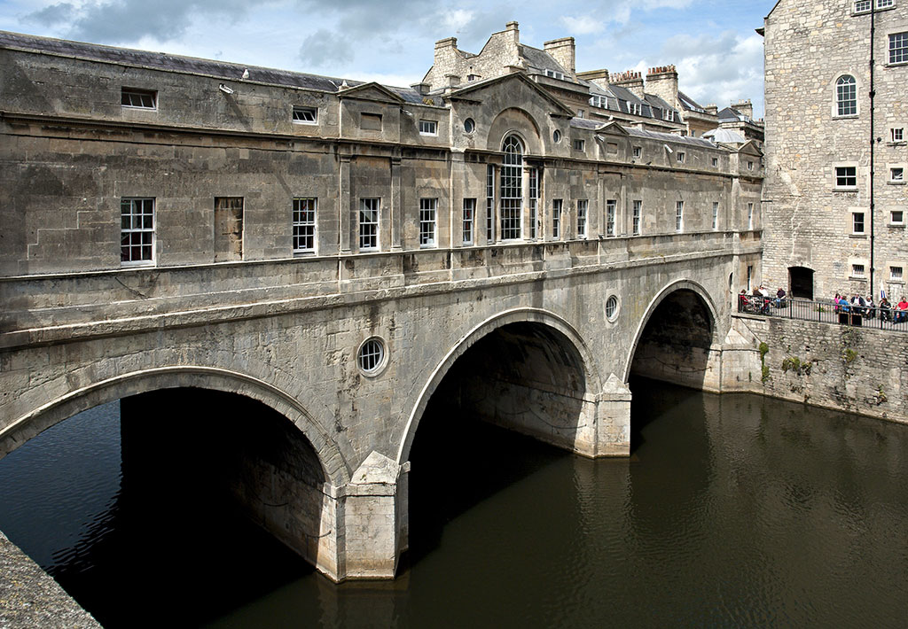 Bath uk tourism accommodation restaurants whats on for Garages in bath
