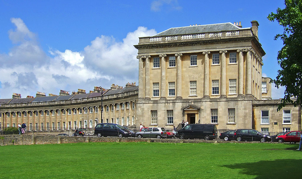 No 1 royal crescent bath uk tourism accommodation for Garages in bath